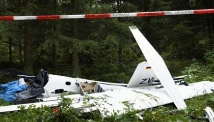 مقتل 4 أشخاص في حادث تحطم طائرة بباريس