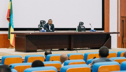 رئيس وزراء إثيوبيا يجري محادثات مع رجال أعمال تيجراي حول إعادة بناء الإقليم