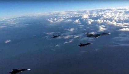 القوات الجوية الروسية تضرب قاعدة للمسلحين في سوريا