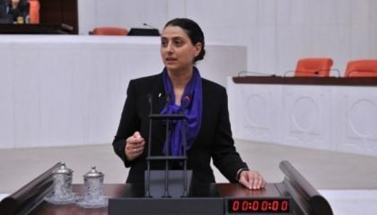 استجواب برلماني لوزير الدفاع التركي حول إرسال أنقرة جنودًا إلى سنجار