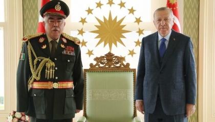 أردوغان يلتقي النائب السابق للرئيس الأفغاني في قصر وحيد الدين