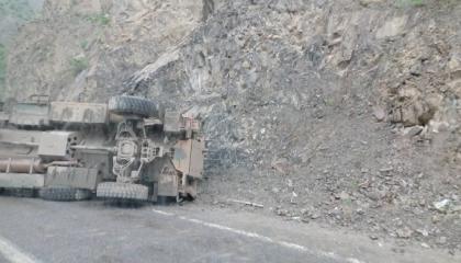 إصابة 3 جنود أتراك إثر انقلاب مركبة عسكرية في محافظة هكاري