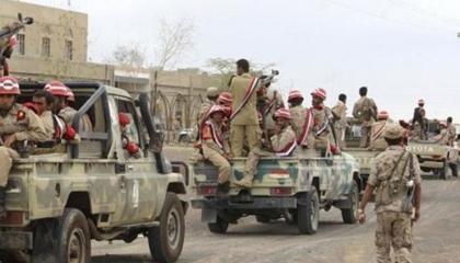 الجيش اليمني يقصف تجمعات للحوثيين غرب مأرب