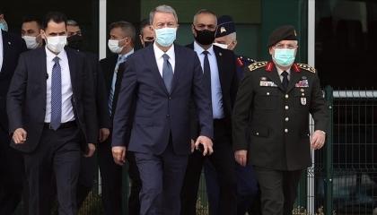 بالفيديو.. لحظة وصول وزير الدفاع التركي إلى العاصمة الليبية طرابلس