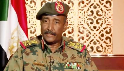 البرهان يستقبل الرئيس الأريتري بالخرطوم