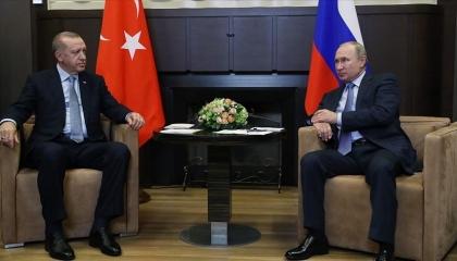 بوتين وأردوغان يناقشان هاتفيًا الإنتاج المشترك للقاح سبوتنيك المضاد لكورونا