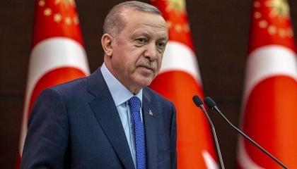 بعد انسحابه من اتفاقية إسطنبول لحماية المرأة.. أردوغان يهنئ أمهات تركيا