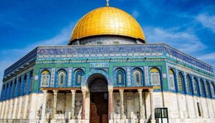 عشرات المستوطنين يقتحمون المسجد الأقصي تحت حماية الشرطة الإسرائيلية