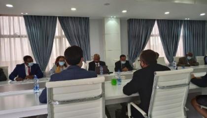المبعوث الأمريكي يلتقي وزير الري الإثيوبي في أديس أبابا