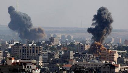 إسرائيل تحشد قوات قرب غزة.. ومخاوف فلسطينية من سيناريوهات سابقة