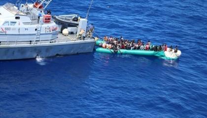 «الدفاع» التركية ترصد مركب هجرة قبالة ليبيا.. وتعلن: منعنا كارثة في المتوسط