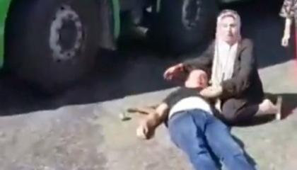 «الذئاب الرمادية» تعتدي بالحجارة على أسرة تركية من بينها طفل في حالة خطرة