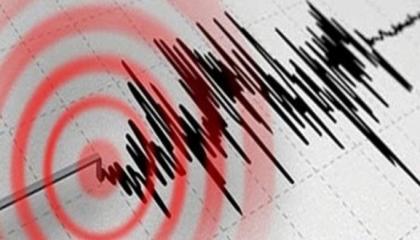 زلزالان متتاليان خلال 7 دقائق في مدينة أزمير التركية