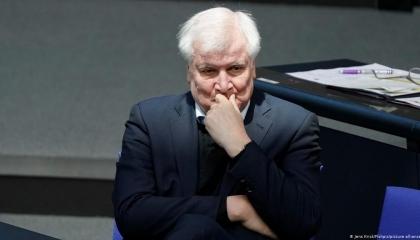 وزير الداخلية الألماني يحذر من الاعتداء على المؤسسات اليهودية في بلاده