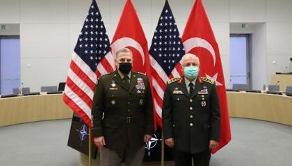 رئيس الأركان التركي يلتقي نظيره الأمريكي في بلجيكا