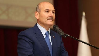 وزير داخلية تركيا يهاجم متابعي فيديوهات زعيم المافيا: يشاهدون أشياء سخيفة