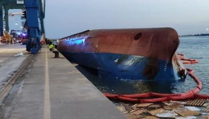 انقلاب سفينة على متنها أتراك في مدينة كستِلون الإسبانية