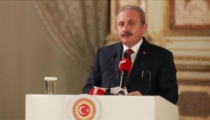 رئيس البرلمان التركي يحيي ذكرى مذبحة باريس بحق 300 جزائري: وصمة عار