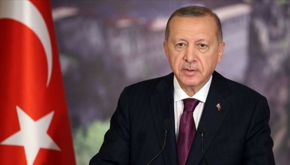 أردوغان يزعم بناء أكبر مطار في أنقرة وعمره عام واحد!