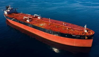 غرق سفينة خدمات بترولية بمياه البحر الأحمر في مصر