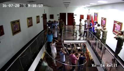 فيديوهات مسربة تفضح كذبهم عن أحداث 15يوليو: الشرطة التركية تعذب جنود الدرك!