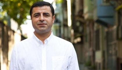 من محبسه.. زعيم الأكراد يدعو مناصريه للنضال: السبيل لوقف استفزازات أردوغان