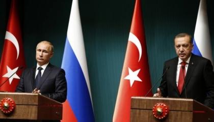 القشة الروسية.. هل تنقذ تركيا من الغرق؟