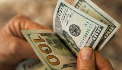 تراجع أسعار صرف العملات الأجنبية في تركيا مع بداية العطلة الأسبوعية