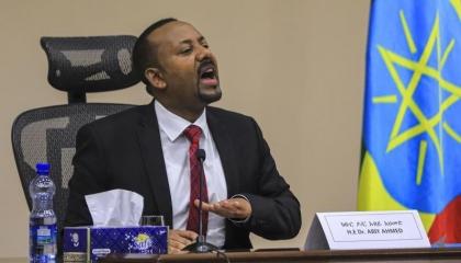 الجارديان: آبي يتعهد بالوحدة ويأمل في إحكام قبضته على إثيوبيا الممزقة