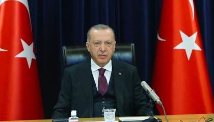 أردوغان يجبر الصحفيين على خرق الإجراءات الوقائية من كورونا