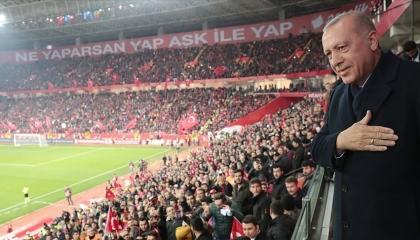 بعد قمة الناتو.. أردوغان يزور أذربيجان لمشاهدة مباراة كرة قدم