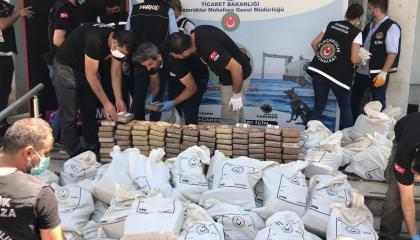 سلطات مارسين تحبط أكبر عملية تهريب كوكايين في تاريخ تركيا