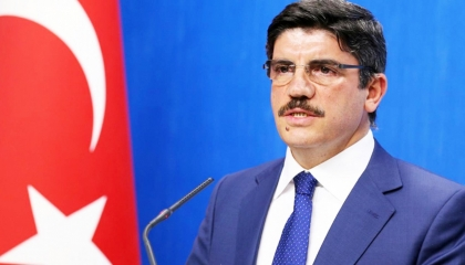 مستشار أردوغان: مستحيل أن نسلم مصر عناصر الإخوان الفارين لتركيا