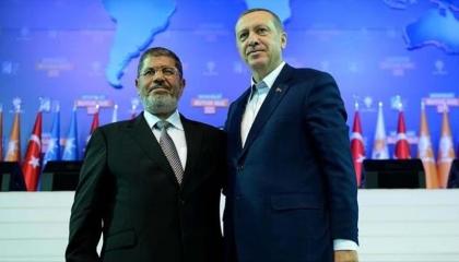 أعضاء من حزب أردوغان يحيون ذكرى وفاة المعزول محمد مرسي على السوشيال ميديا