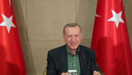 أردوغان: شباب أوروبا يشعرون بالغيرة.. ماذا عن 20 ألف تركي فروا من بلدهم؟