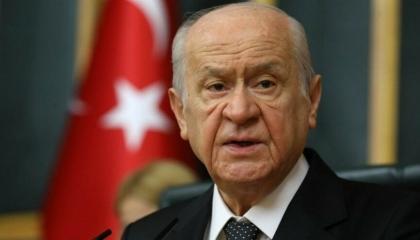 حليف أردوغان يتهم ضحية الهجوم على حزب الشعوب بالإرهاب