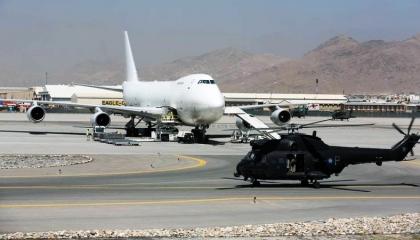 وفد من وزارتي الدفاع والخارجية الأمريكية يزور تركيا لبحث أمن مطار  كابول