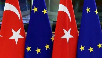 الاتحاد الأوروبي يجمد «عضوية تركيا»