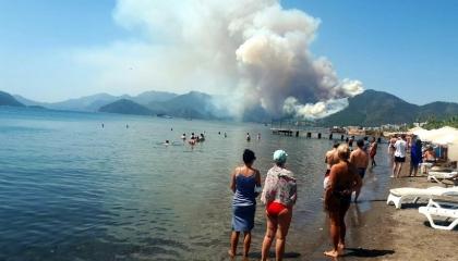 نشرة أخبار «تركيا الآن»: حرائق هائلة في موغلا.. ووفيات كورونا تتجاوز 150ألف