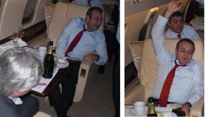 صورة: سفير تركي يحتسي الشامبانيا في الطائرة.. سعر الزجاجة صادم!