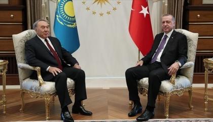في مكالمة هاتفية.. أردوغان يهنئ نظيره الكازاخستاني بعيد ميلاده