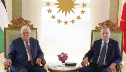 أبو مازن في بلاط أردوغان.. هل تسفر الزيارة عن ترسيم الحدود بين غزة وأنقرة؟