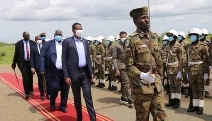 نائب رئيس «السيادة السوداني» يشارك في مراسم تنصيب حاكم إقليم النيل الأزرق