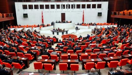 البرلمان التركي: حظر محكمة العدل لارتداء الحجاب ينال من حقوق المسلمات
