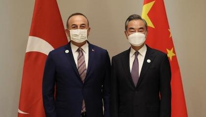 جاويش أوغلو يؤكد دعم تركيا للصين ضد مسلمي الأويغور