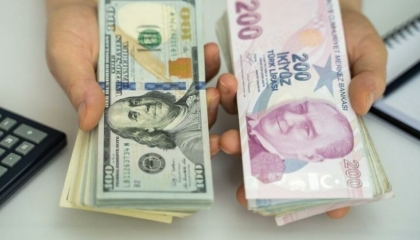 الليرة التركية تهبط لمستوى غير متوقع أمام العملات الأجنبية.. والذهب بـ499 !