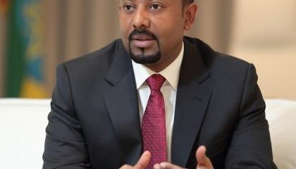 آبي أحمد يجدد الهجوم على «جبهة تيجراي».. ويزعم: ملتزمون برفاهية الإقليم