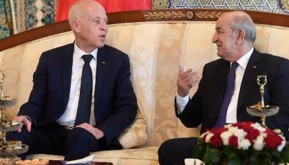 الرئيس التونسي لنظيره الجزائري: تونس تسير في الطريق الصحيح