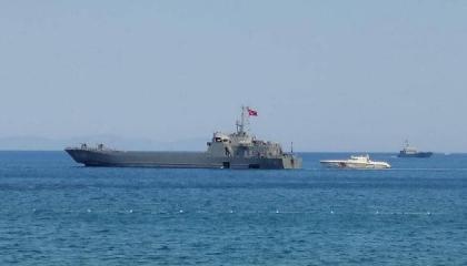 بعد الحرائق الهائلة.. تركيا ترسل سفينتين لإجلاء المواطنين من مارماريس
