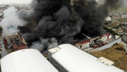 حريق هائل في مستودع لوجيستيات بإسطنبول